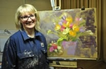 Nel Whatmore demonstrating at Driffield Art Club